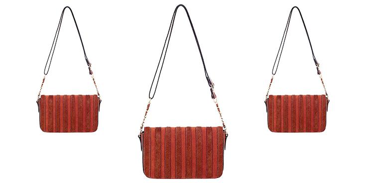 Bolsa Feminina de couro na cor whisky (tons terrosos) com detalhe na tampa em camurça e em pelo na cor whisky.